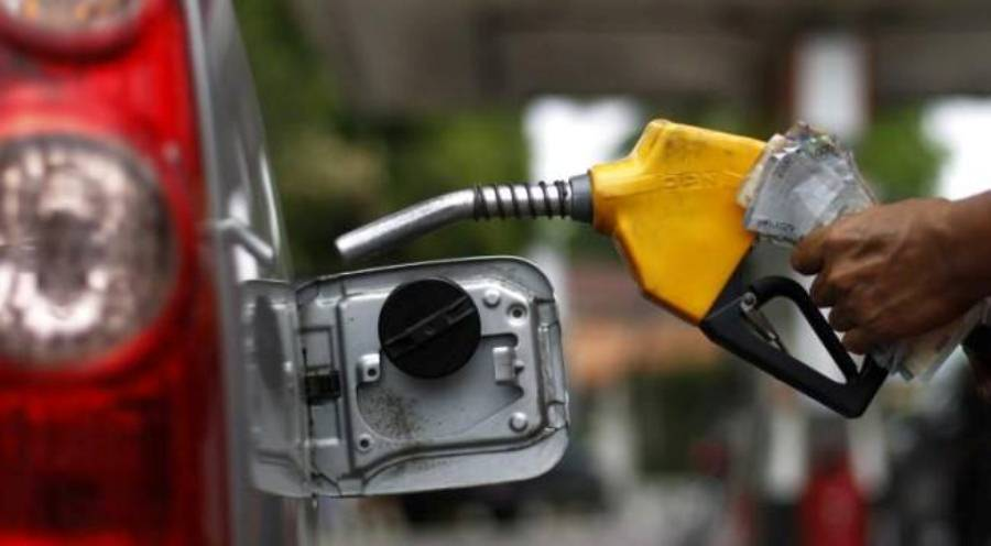 Naftëtarët kundërshtojnë pastrimin e rezervarëve çdo tri vjet