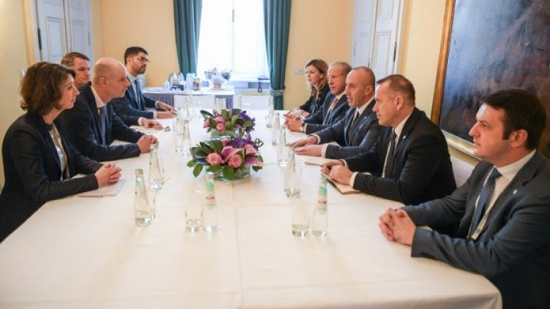 Haradinaj kërkon mbështetjen e Holandës për liberalizimin e vizave