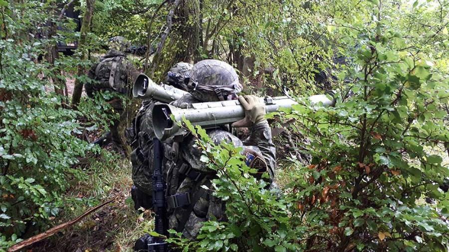 """Qeveria """"dorë-shtrënguar"""", nuk i jep Ushtrisë së Kosovës buxhetin e premtuar"""