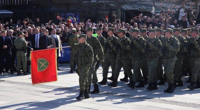 Emocionuese: Parakalimi i Ushtrisë së Kosovës në 11 vjetorin e Pavarësisë /VIDEO
