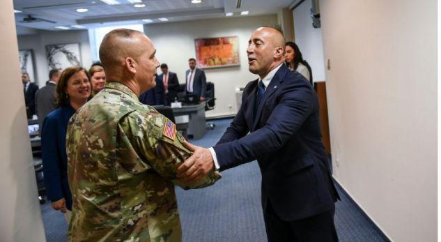 Gjenerali amerikan anulon vizitën në Kosovë