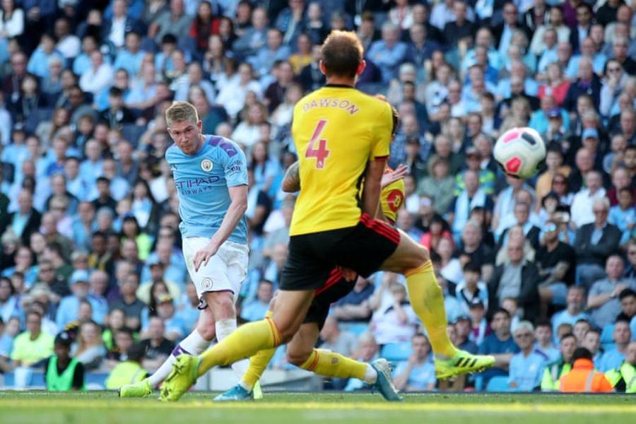 Man City tregohet i pamëshirshëm kundër Watfordit