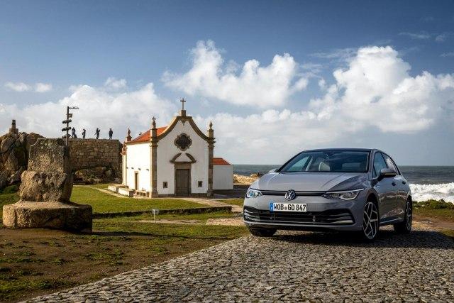 Golfi i ri fotografohet në detaje në Portugali para daljes në treg