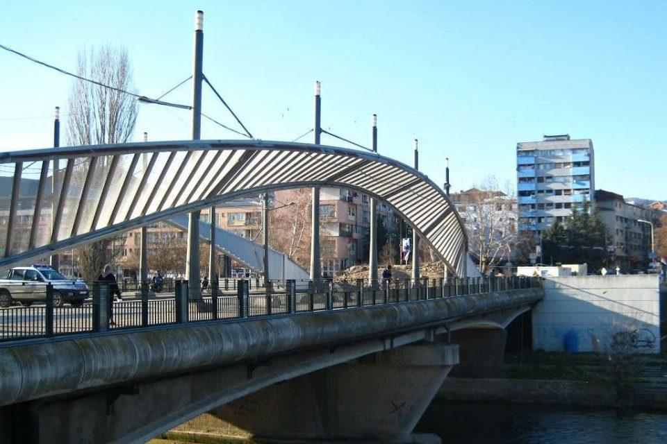 """Askush s'ka përgjigje - hapja e urës mbi lumin Ibër nën """"mëshirën"""" e fatit"""