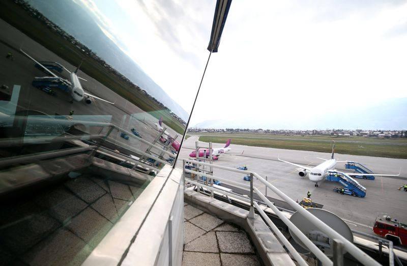Me vetura e aeroplanë: Për pak ditë, dhjetra mijëra mërgimtarë arrijnë në Kosovë