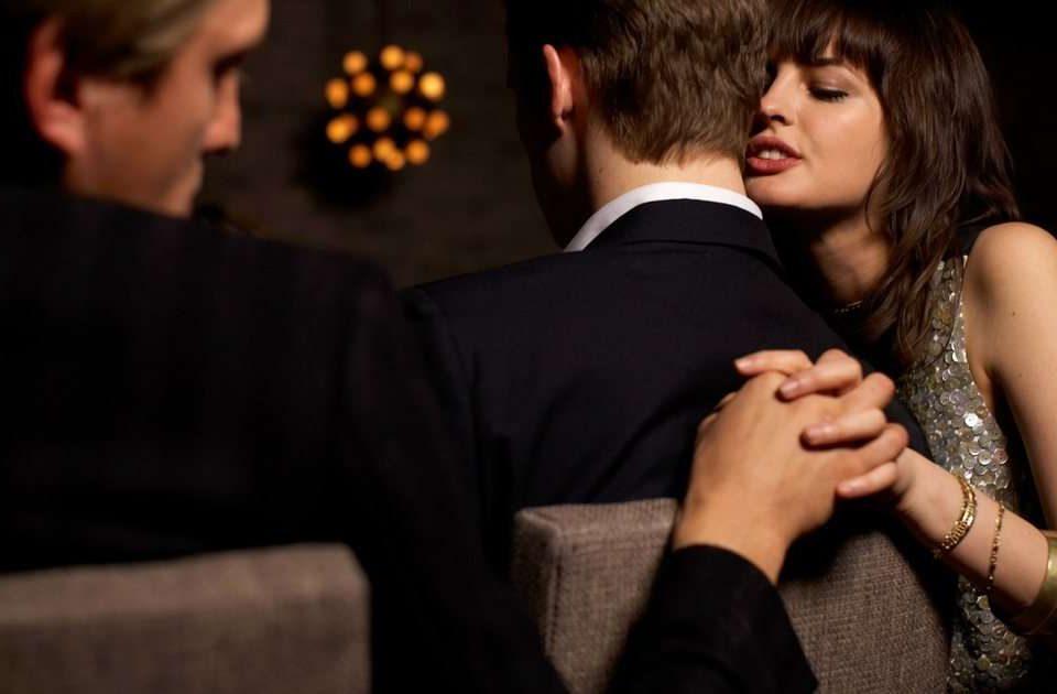 """Sa të dashur duhet t'i ketë një femër, që """"të rehatohet"""" në martesë"""