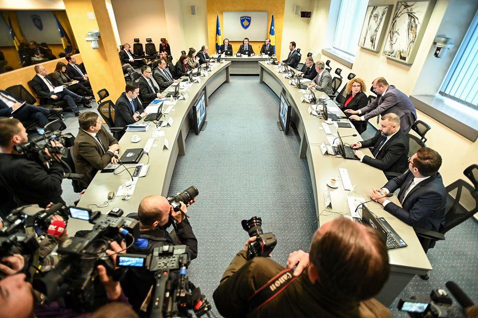 Sot mbahet seanca për shkarkimin e Qeverisë Kurti