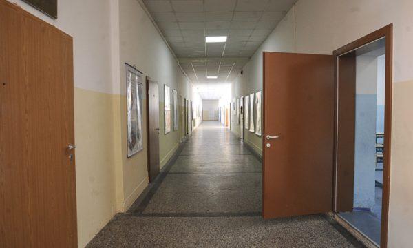 MASHTI s'ka informata se të hënën fillon mësimi nëpër shkollat e vendbanimeve me shumicë serbe në Kosovë