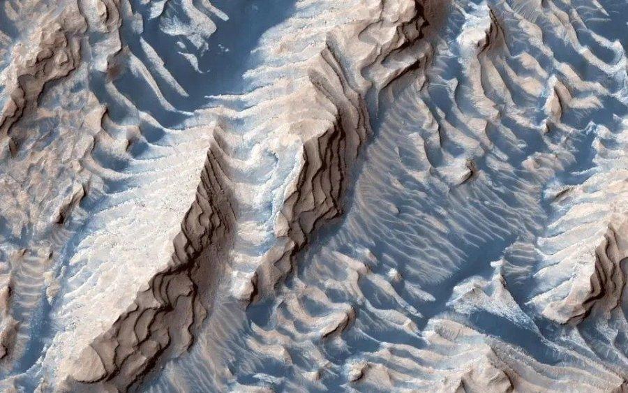 NASA sjell imazhe jashtë botës sonë