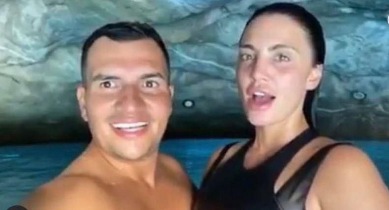 Genta Ismaili në momente intime me të dashurin turk në pishinë