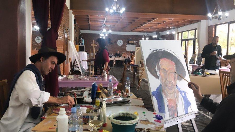 """""""Euro Kosova Art"""" si mozaik veprash e përvojash artistike"""