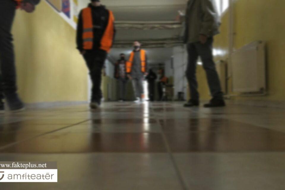 Shkollimi i të miturve brenda Burgut të Lipjanit