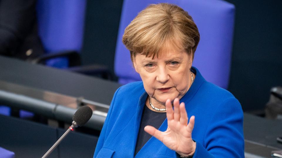 """Merkel kundër vendimit të UEFA-së për zhvillimin e finales në """"Wembley"""" me 60 mijë tifozë"""
