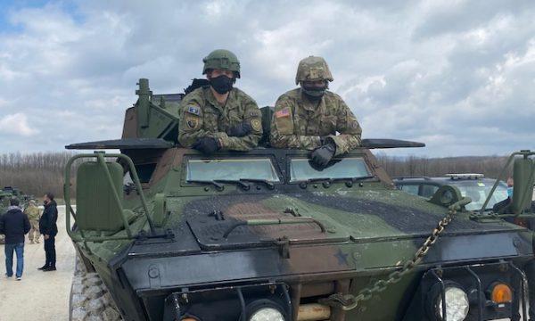 Ushtria amerikane trajnon FSK-në për përdorimin e mjeteve të blinduara ushtarake