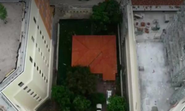 Shuma të majme për shtëpinë në mes të projektit të madh, arsyeja pse pronari refuzoi ta shesë atë