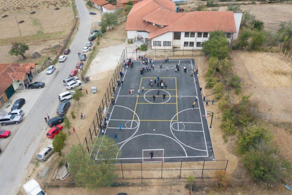 Jashari premton se në çdo fshat të Skënderajt do të ndërtoj poligone sportive